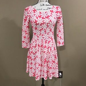 Boutique | Pink & White Floral Dress